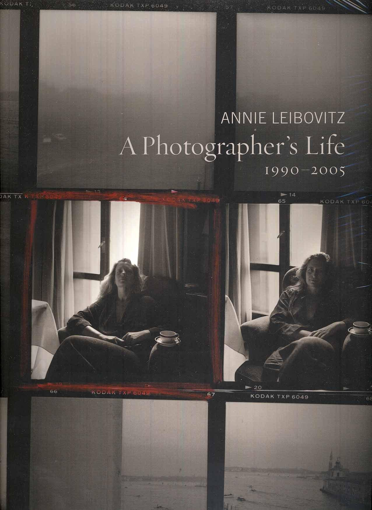 annie leibovitz biography and image sample Annie leibovitz has been one of the world's most sought-after photographers since the 70s, when her shots of rock stars gave us a vivid glimpse into a world few see.