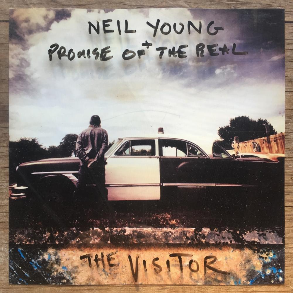 THE VISITOR - YOUNG NEIL,PROMISE OF THE REAL [CD album]